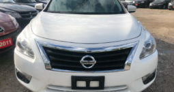 2013 Nissan Altima/TOP OF LINE MODEL/Certified/Clean Car-proof