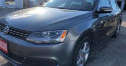 2011 Volkswagen Jetta/2.5liter/Certified/Clean Car-proof/Allo